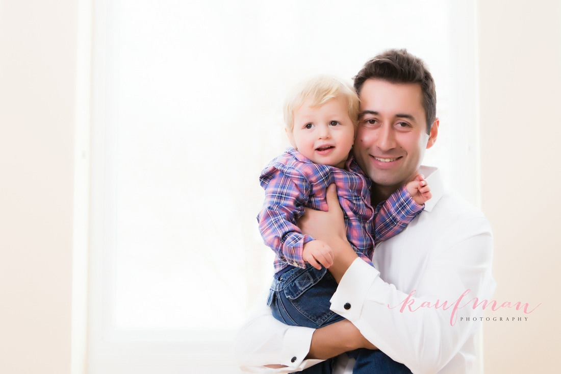 father son photo, family photo session, in-home family photo session, lifestyle photo session, photo of siblings, 1 year old photo, photo session, in-home photo session, lifestyle photo session, family lifestyle photo session