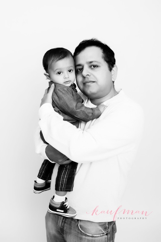 1 year old photo, photo of 1 year old, 1 year photo session, first birthday photo session, family photo session, picture of dad and baby