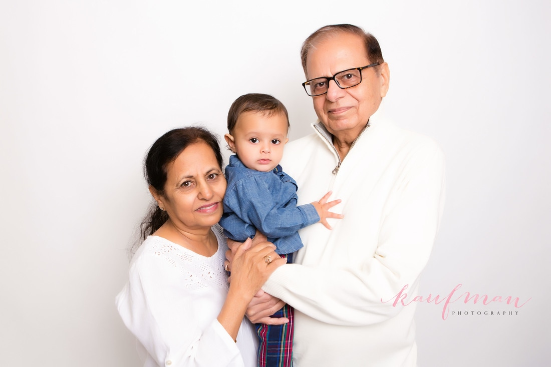 Picture with grandparents, 1 year old photo, photo of 1 year old, 1 year photo session, first birthday photo session, family photo session