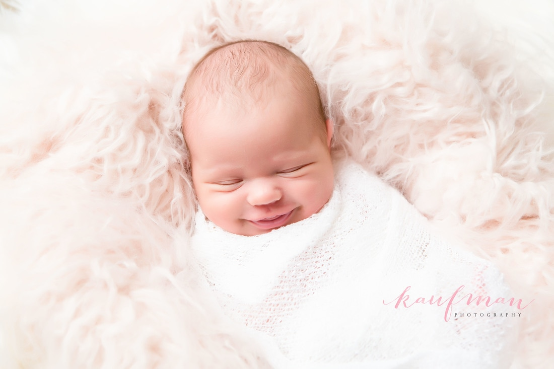 Newborn photo, newborn photography, newborn photo session, image of newborn baby girl